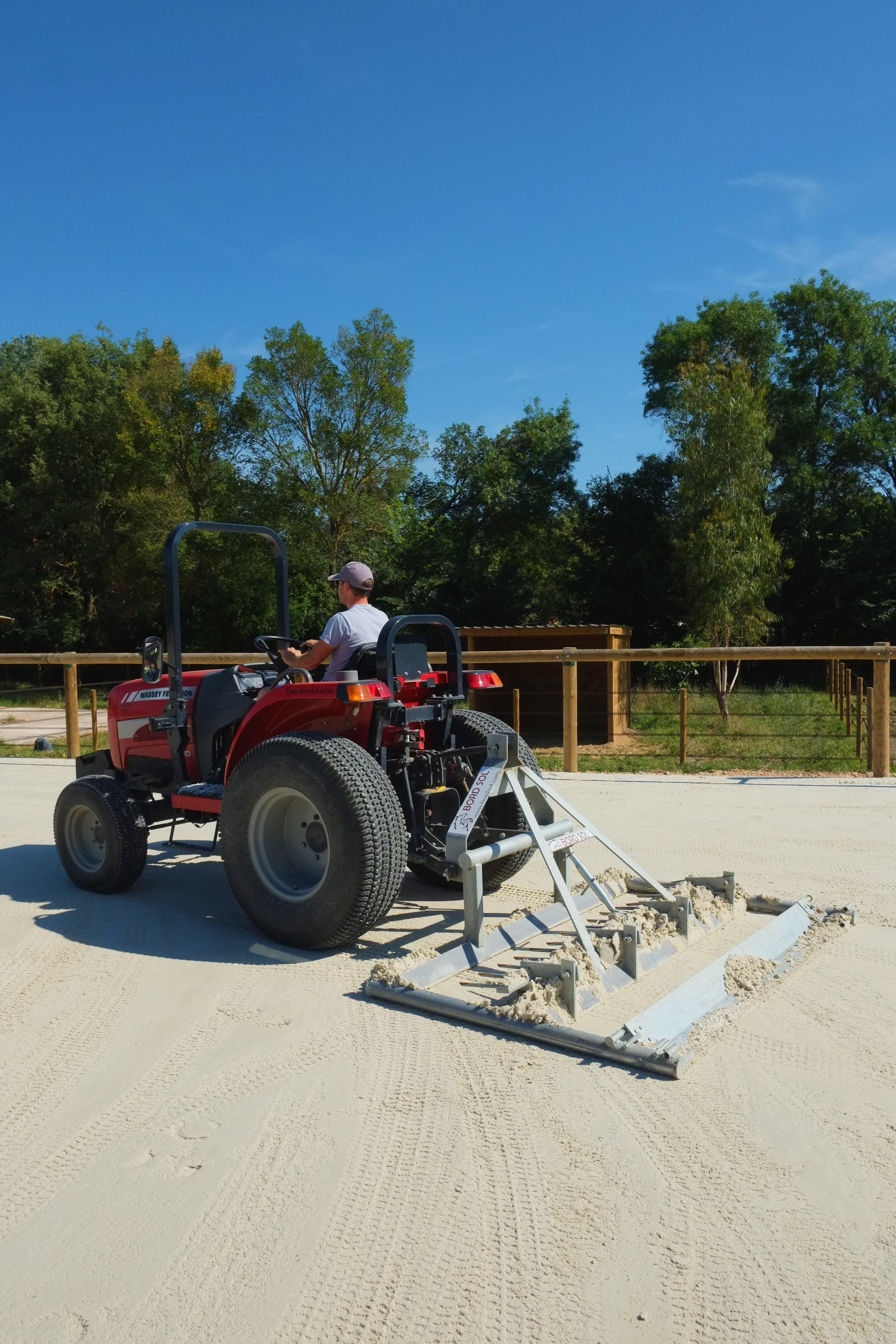 Tracteur Herse Barre Bordsol Entretien Quotidien Carrière Concours